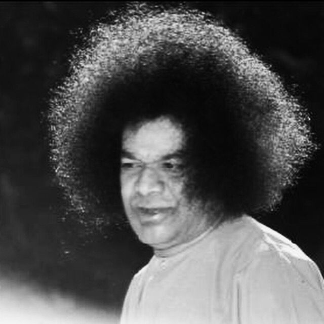 """""""Small minds select narrow roads; expand your mental vision and take to the broad road of helpfulness, compassion and service."""" ~ Sri Sathya Sai Baba  #SathyaSai"""