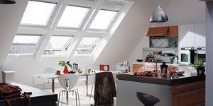 VELUX Dachfenster mit Zusatzelementen Jalousie Küche