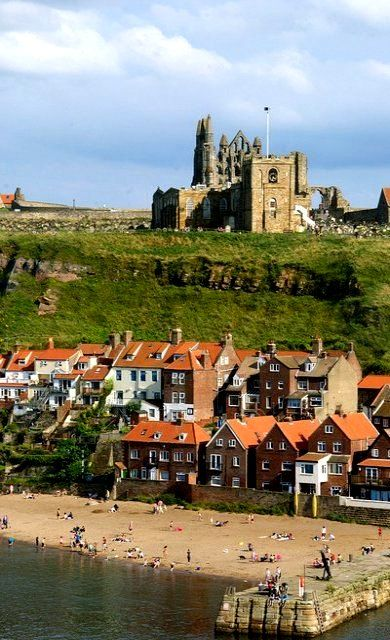 Whitby Abbey, North Yorkshire, England | Flickr - Photo by apricot's