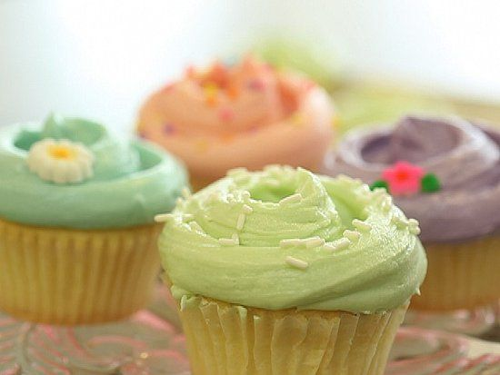 Magnolia Bakery - famous Vanilla Cupcake and frosting recipe!