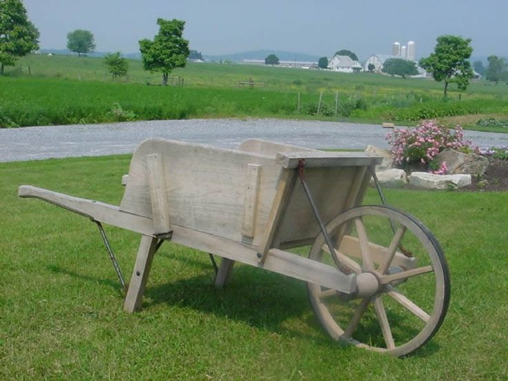 Amish Old Fashioned Wheelbarrow - Medium Premium | Wheelbarrows | Amish Made Carts & Wagons 3608