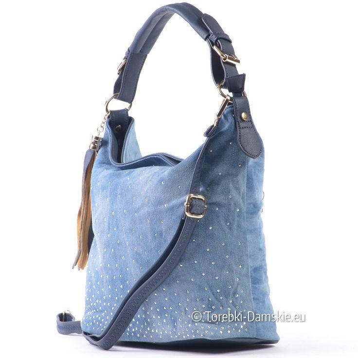 Torebka damska z wycieranego jeansu z ozdobnymi dżetami z przodu Zobacz koniecznie! http://torebki-damskie.eu/niebieskie-blekitne-granatowe/1581-torebka-z-niebieskiego-jeansu.html