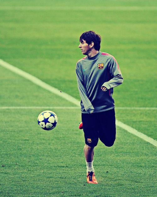- Lionel Messi is the man - #Messi #leomessi #soccer #futbol #Barcelona #Barca #Argentina #10 http://www.pinterest.com/TheHitman14/lionel-messi-%2B/