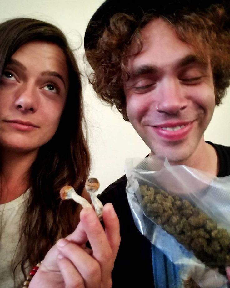 """That time on tour when I rolled up to my friends crib with a bunch of drugs and shit got real. """"I thought Matt Pless was coming but it's more like Led Zeppelin blew through here.."""" #partyonwayne #partyintheusa #punk #folk #marijuana #weed #drugs #shrooms #tripz #ledzeppelin #acoustic #sexy #tabs #cid #420 #pot #stoned #ridiculous #cheshirecat #goaskalice #westcoast #psychedelic #tourlife #turnontuneindropout #singersongwriters"""