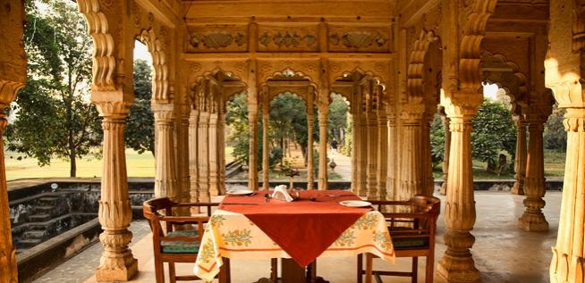 Deo Bagh Hotels - Gwalior, Madhya Pradesh is established on the grounds of a 17th century temple filled with grand arched doorways and lush gardens