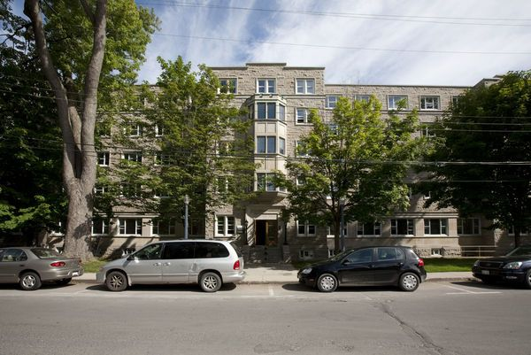 Chown Hall | Queen's University Residences