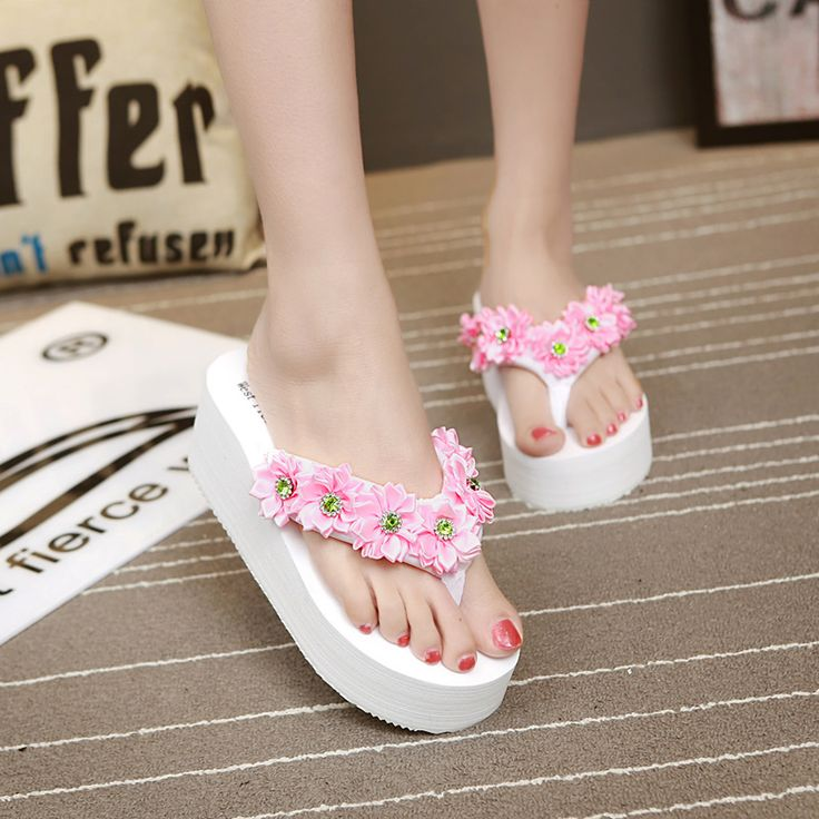 West fierce wolf new high-heeled Pearl Flip Flops female Xia Po with thick bottom sand beach drag