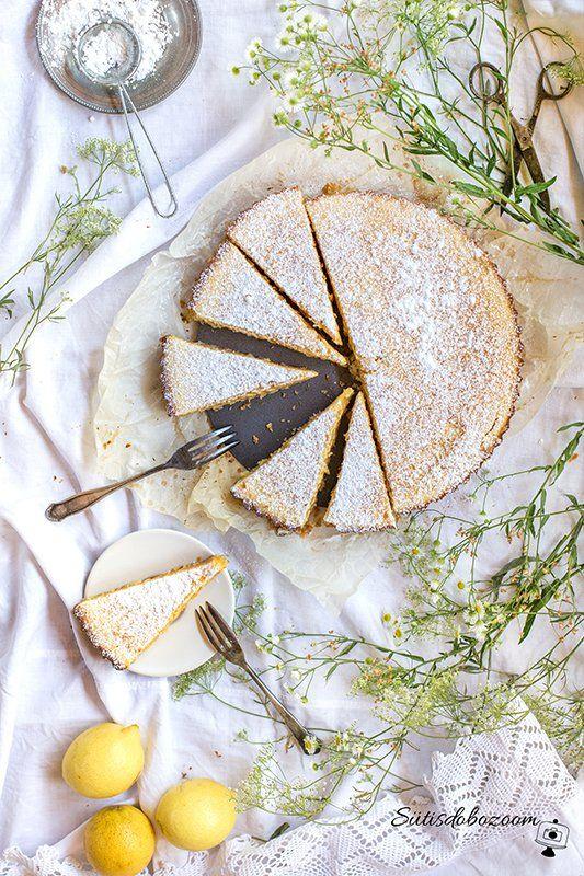 Ebben a nyári forróságban igazán jól tud esni ez a citromos pite, az elkészítésével sem kell sok időt a konyhában melegednünk.