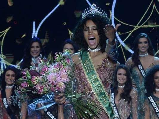 Raissa Santana, candidata do Paraná, é eleita a Miss Brasil 2016
