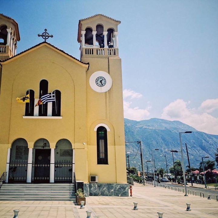 The church of Anastasi located across the street from the beach in Kalamata.  #greekchurch #orthodoxchurch #orthodox #beautifulkalamata #church #kalamata #instagreece #instatravel #peloponnese #messinia #wanderlust #igers_greece #ig_greece #vsco #vscogreece #ig_greece #wu_greece #iphone #handofgreece #blueskies