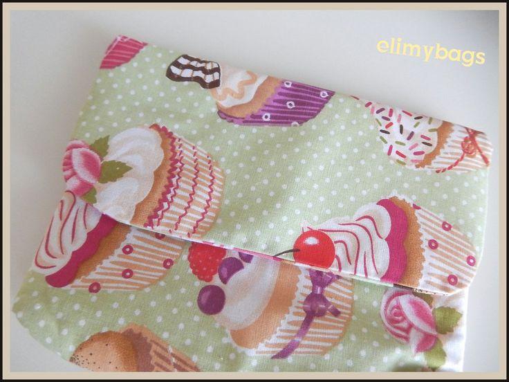 Pochette custodia borsellino con dolcetti cupcakes di stoffa fatto a mano♥, by Elimybags, 10,00 € su misshobby.com