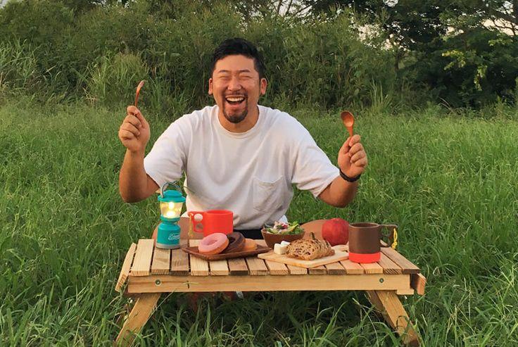 多摩川で満面の笑みを浮かべるデザイナーMARUちゃん