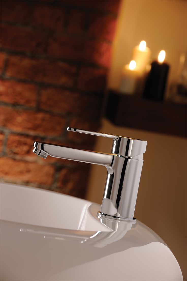Making it's Début with its smooth oval body and striking lever design creates a clean and refined
