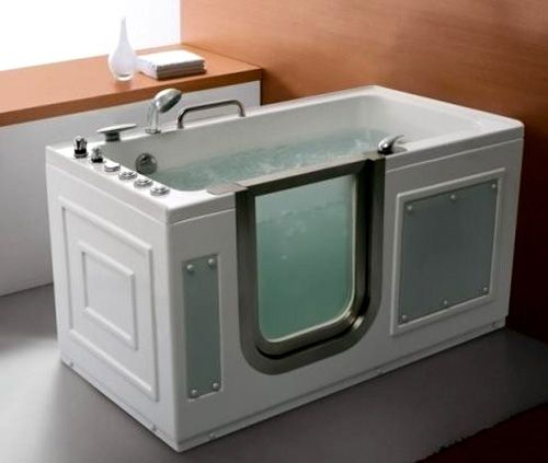 Adding Small Bathtubs in Your Bathroom to Have the Pleasure of ...