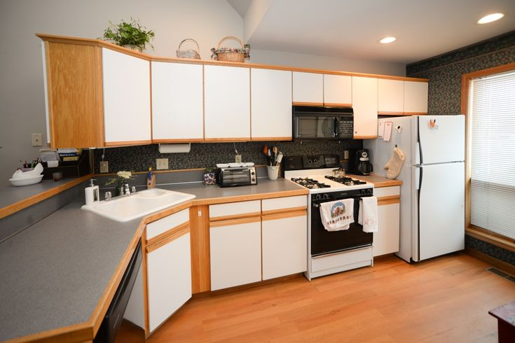 white kitchen cabinets with oak trim best 25 honey oak trim ideas on honey oak 2084