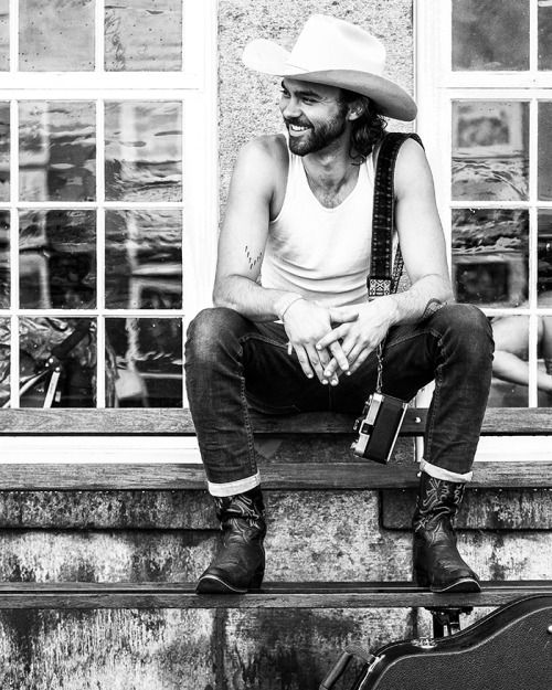 Shakey Graves - at newportfolkfest 2014 by Josh Wool