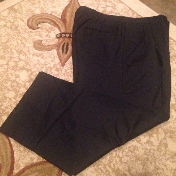 Men's dress pants Men's pleated dress pants, size W 37 Reg, 28 inch inseam Barry Pants Wide Leg