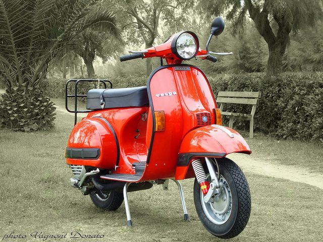 598 best images about scoots on pinterest motor scooters for Catalogo piaggio vespa