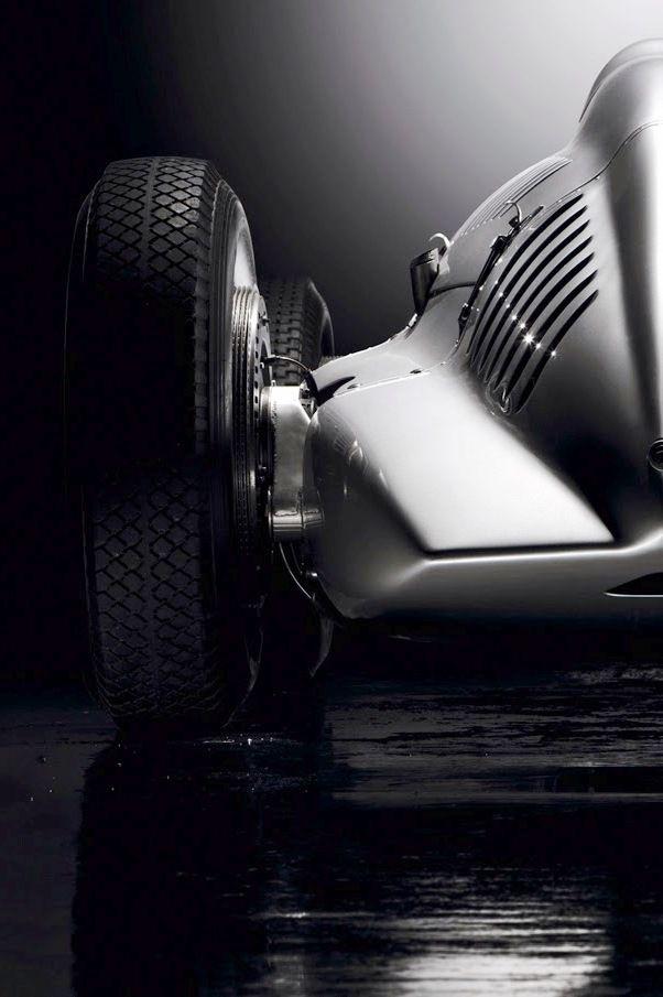 1938 Auto-Union Typ D   – It's a Man's Locomotion