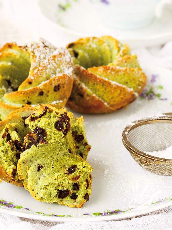 Le Paste di mandorla al pistacchio sono una ricetta della tradizione siciliana alla quale abbiamo aggiunto golose gocce di cioccolato. #pastadimandorlealpistacchio