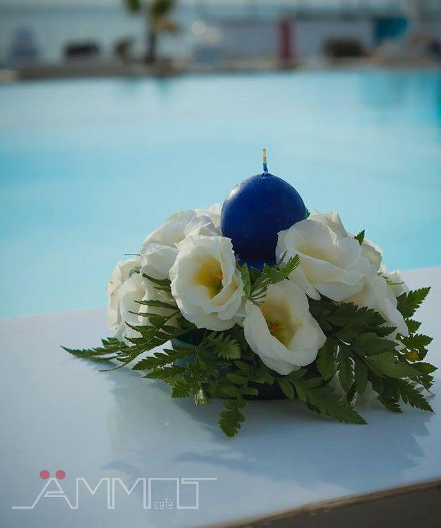 I professionisti del wedding che collaborano con Ammot Cafè, la location esclusiva per matrimoni in spiaggia a Napoli, sapranno consigliare le coppie di futuri