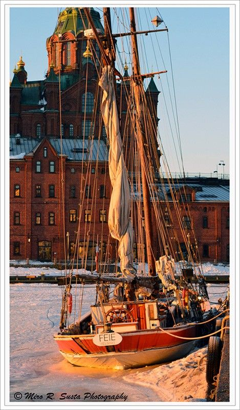 Helsinki Sailing on the Ice by mirosu Gold Star Critiquer/Gold Note Writer