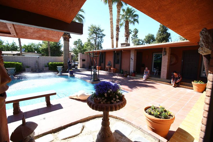 The pool is in the front yard of this 1969 Hollywood Regency style at 1705 S. 16th St. in Las Vegas on April 30, 2017. Miranda Alam Las Vegas Review-Journal