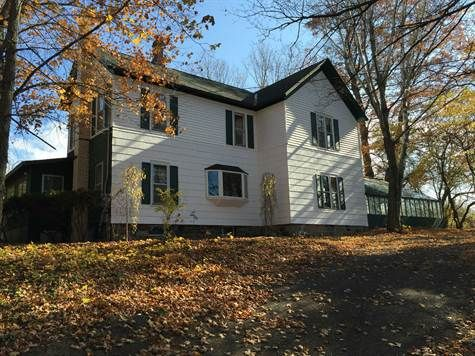 2920 sqft Home For Sale in Fennville Fennville, Michigan. For Sale at $295,000.00. 2059 64th Street, Fennville, MI 49408, Fennville 15053413.