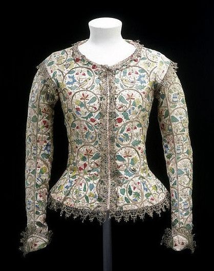 England, c.1610-1615. Linen embroidered with silk and silver thread. Worn by Margaret Layton, wife of the king's Yeoman of the Jewel House, in a painting by Marcus Gheeraerts the Younger. V Museum | http://www.pinterest.com/pin/138837600986863161/