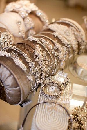 Mini pillow rolls for bracelet display