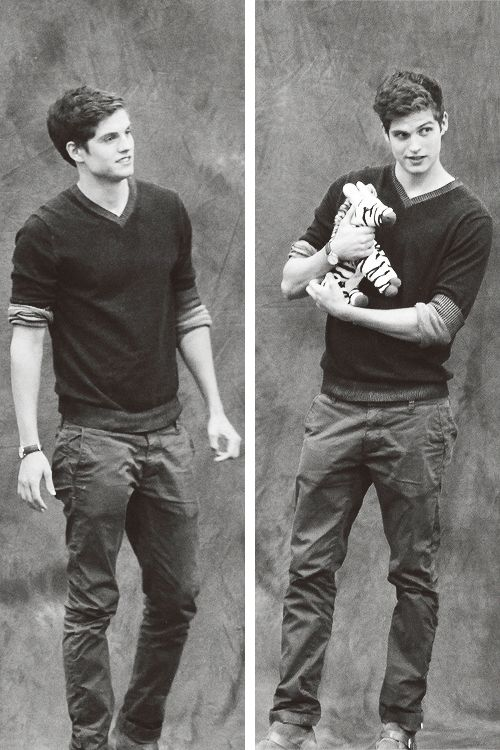 Daniel Sharman<<<< giving him stuffed animals should he illegal because of how cute it is.