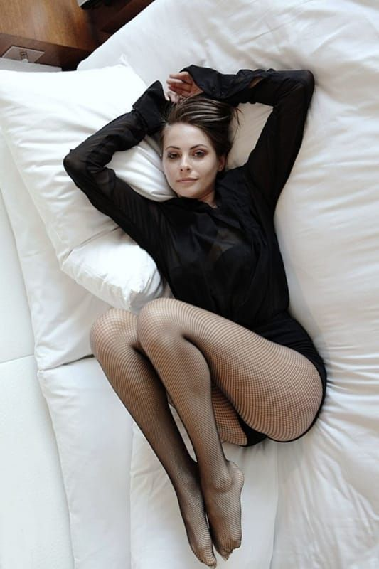 Willa holland from arrow nakes spread legs