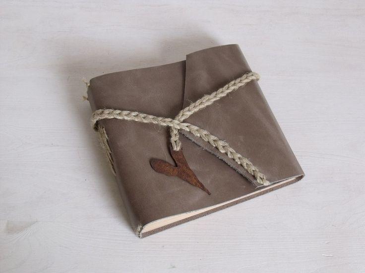 Gästebücher - Gästebuch, Album *Herz* taupe - ein Designerstück von Ivona bei DaWanda (40€)