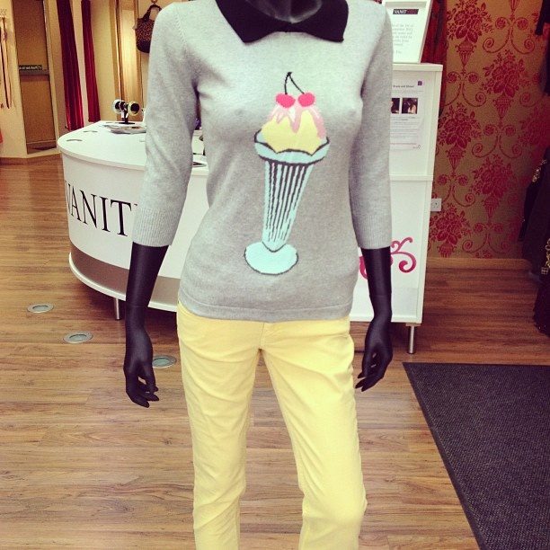 Outfit for spring/summer! Love the pastel colours on this jumper.