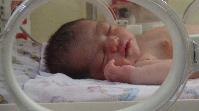 Vicdansız Anne 3 Günlük Bebeği Camiye Bıraktı