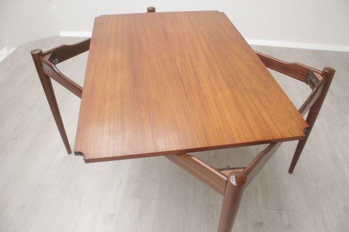 Online veilinghuis Catawiki: Ontwerper onbekend - Vintage teakhouten tafel met omkeerbaar blad