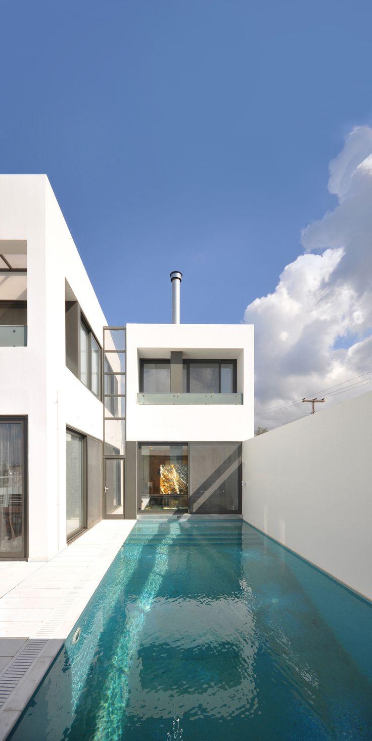 House in Agrinio / John Karahalios