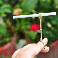 Retro Ladies' Smoking Ring Carrier Cigarette Holder Finger Protector Anti-yellow Finger.