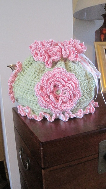 Ravelry: Ashlaw's Tea Cosy based on spicyapplebum from Flickr
