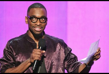 Jay Pharoah Impersonates Kanye West With Faux Rant at the 2016 AMAs