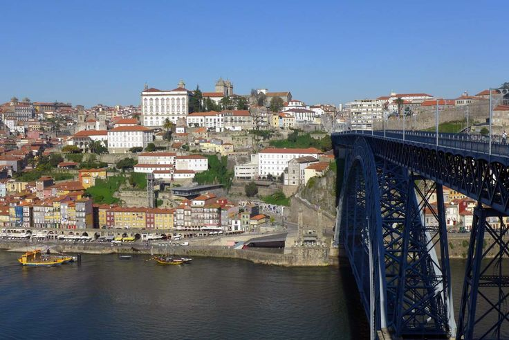 O itinerário começa em Lisboa e termina no Porto, passando por Óbidos, Alcobaça, Fátima, Coimbra e Aveiro. Um roteiro para uma viagem de 7 dias a Portugal. http://www.almadeviajante.com/portugal-em-7-dias-itinerario-lisboa-porto/