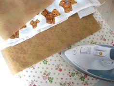 aus Plastiktüten mit Backpapier und Bügeln Nähmaterial machen