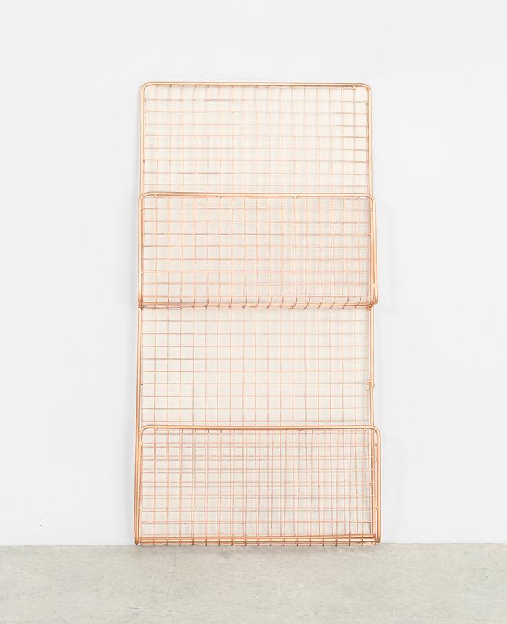 die besten 25 zeitschriftenhalter wand ideen auf pinterest h lzerne serviettenringe schals. Black Bedroom Furniture Sets. Home Design Ideas