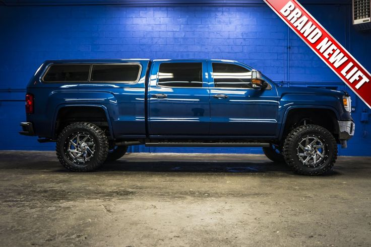 2015 GMC Sierra 1500 SLT 4x4 Truck with A Brand New Lift Package with Lift Wheels and Tires!