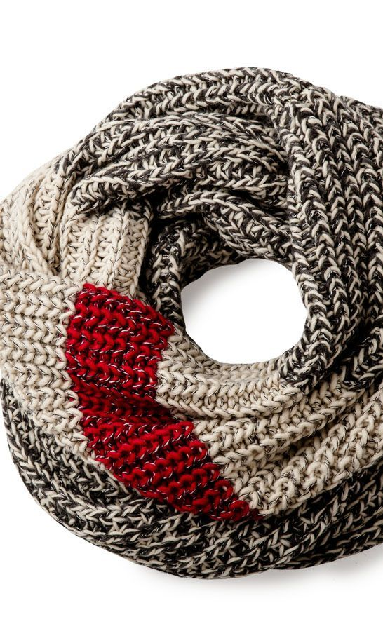 Our 2014 Cabin Collection is starting to arrive, beginning with one of our favourite chunky knit infinity scarves.