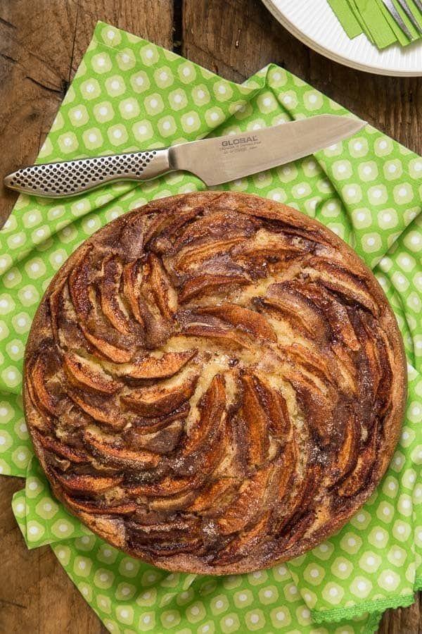 Danish Apple Cake - thecafesucrefarine.com
