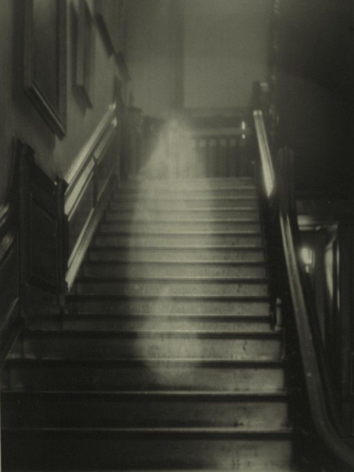 Real Ghost Photos | Famous Ghost Pictures
