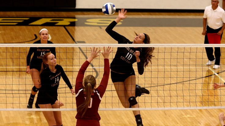 The fourth-ranked Colorado College volleyball team opened Southern Collegiate Athletic Conference play with a 3-0 sweep of Austin College on Friday evening in Reid Arena.