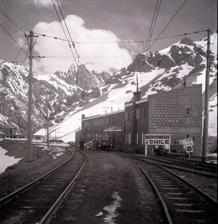 Ferrocarril Trasandino Los Andes-Mendoza, Estación Caracoles 1955   by santiagonostalgico