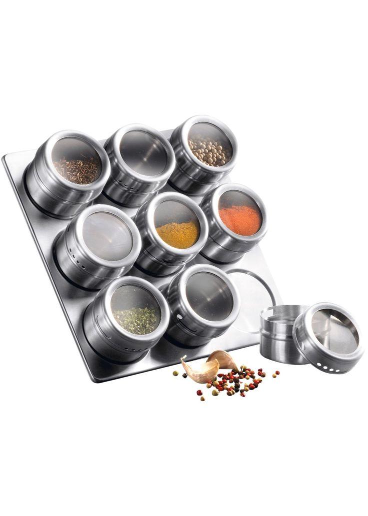 Jetzt anschauen: Exklusives Magnet-Board, ein Blickfang für Ihre Küche! Aus 18/0 Edelstahl, zwei verschieden große Streuöffnungen am Dosenrand, Boden magnetisch, so dass die Gewürzdosen an der Edelstahlplatte haften bleiben. Maße Dose: ca. Ø 6,3, H: 4,7cm, Board (H/B): ca. 22,5/22,5cm.